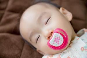 赤ちゃんを寝かせる方法